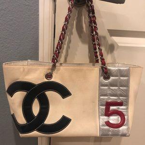 8e2ce61dd802 Women s Cream Chanel Bag on Poshmark